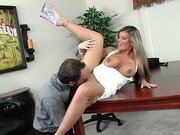 Kristal Summers gets her pussy licked and fingered on the table