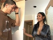 Hottest mom Priya Ray got the perfect face and the perfect body