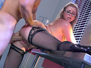 High heels doctor Sunny Lane fucking her hunky patient at night