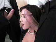 Jennifer White sucks two large cocks at the same time