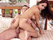 Jasmine Caro bounces while on top of his knob