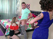Joslyn James let herself in the room to watch Lucy Tyler giving a blowjob